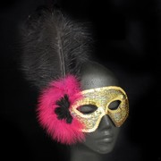 Gold Masquerade Mask With Black & Pink Feathers Pk 1