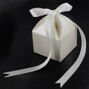 Bonbonniere Box With Ribbon Pearl 50x50x60mm Pk20