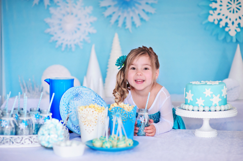 Decorating Ideas for a Frozen Party